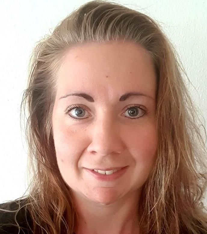 Mrs. Marianne Pen Hollandn